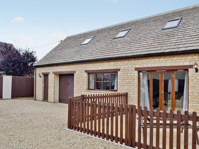 Photo for 2 bedroom property in Chipping Norton. Pet friendly.
