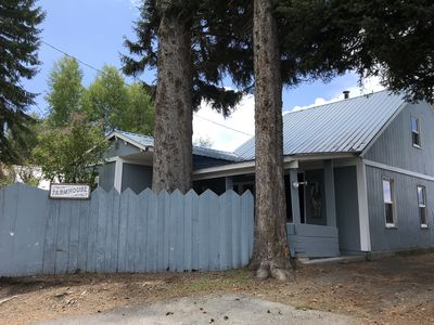 Photo for The FarmHouse - Crater Lake Bungalows