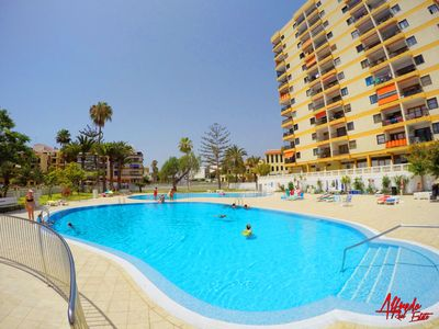 Photo for Lovely two bedroom apartment with pool and sea view