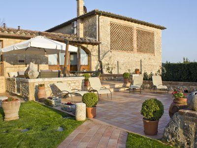 Photo for Siena countryside semi-detached house, shared pool, ideal to discover Tuscany