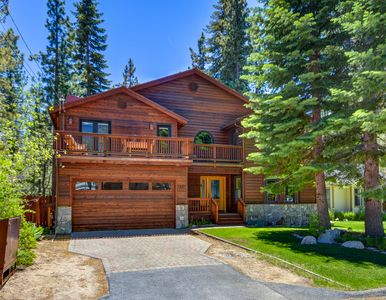 Photo for Beautiful and Spacious South Tahoe Lodge!