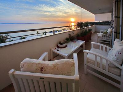 Photo for Stylish & elegant apartment with great sea view terrace, 30m from the beach