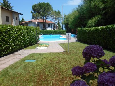 Photo for Duplex apartment, 100 meters from the lake, swimming pool, air conditioning, 2 bathrooms, Wi-Fi