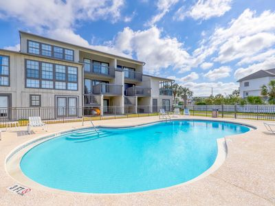 Photo for Newly Renovated Condo at Gulf-front complex w/ beach access & shared pool/grill!