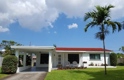 Photo for Fort Lauderdale - Charming House Near Beach and Shopping