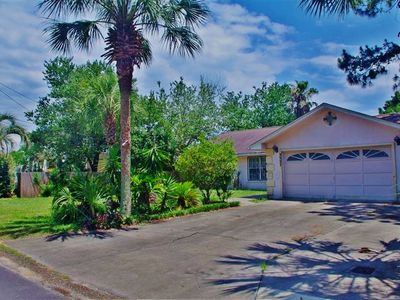 Photo for Enjoy the  White Sand Beaches! Pets Welcome! Completely furnished home.