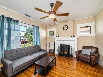 Photo for Cozy House, 7 min to downtown. New Beds!