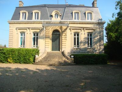 Photo for Beautiful house with garden and private pool ds vineyard of Bordeaux