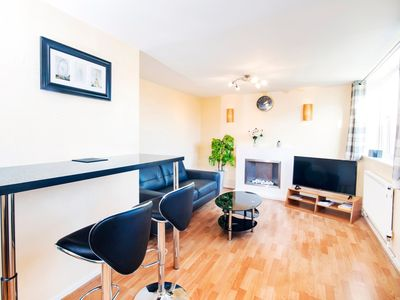 Photo for CITY CENTRE ★ FREE PARKING ★ 2 BED HOUSE ★ MODERN