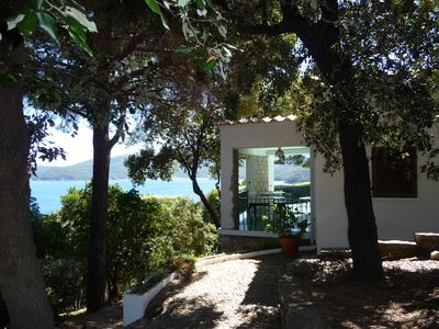 Photo for Elba Island, Tuscany: very pretty villa, exceptional view, sea access (7 pers)