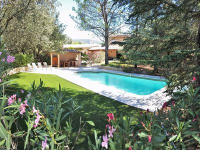 Photo for Large Provencal villa with swimming pool, in the Luberon Park, Provence