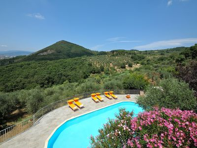 Photo for Le Maggioline Hilltop Country House with pool in the heart of Tuscany