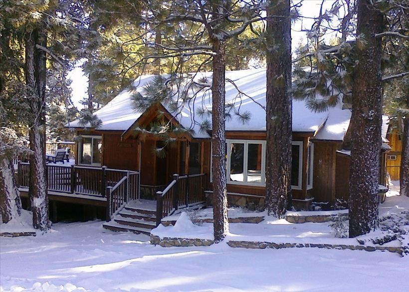 Pine Rock Cabin – Pool Table – Walk to Slopes/Golf