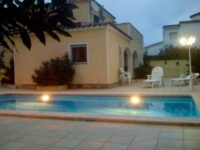 Photo for Villa des Lauriers, 8 people, 4 bedrooms, 2 bathrooms, air conditioning, wifi, private heated pool