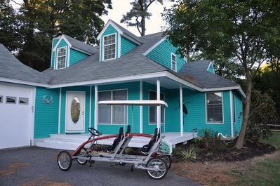 4 bedrooms, 2.5 baths, private yard, use of surrey and/or bikes with 3 nights.