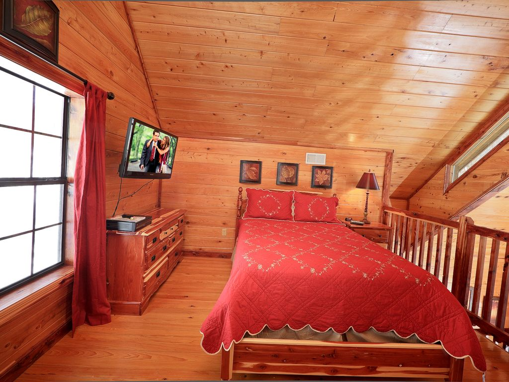 Secluded 1 Bedroom Cabin Bordering The Great Smoky Mountain National Park Gatlinburg Tennessee