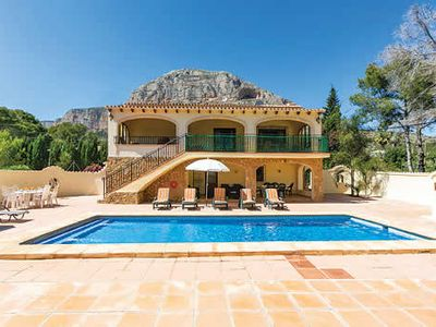Photo for Spacious villa ideal for large families, bedrooms all with A/C, tennis court and pool, close to Javea old town