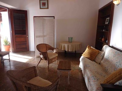 Living Room w queen size futon, very pleasant and quiet,