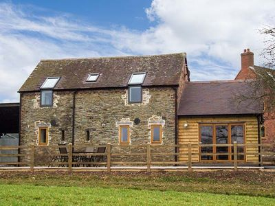 Photo for THE OLD BYRE, family friendly, with a garden in Caynham, Ref 920667
