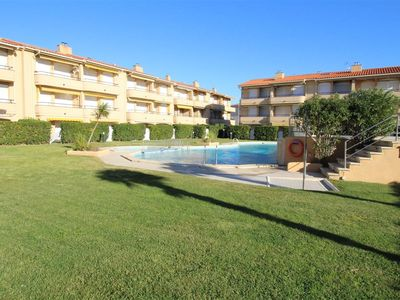 Photo for APARTMENT WITH COMMUNITY POOL 50 METERS FROM THE BEACH, IDEAL FAMILIES