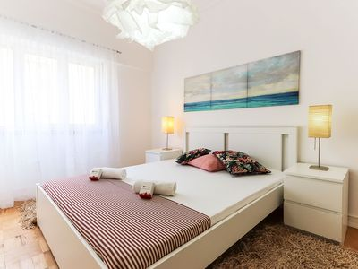 Photo for Cosy apartment for 4 people, with WiFi and TV just 8min away from LX Factory
