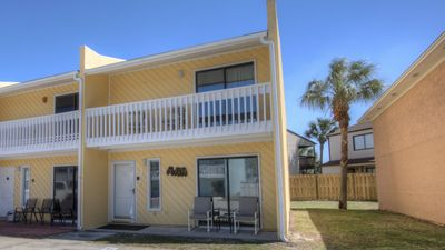 Photo for Close to everything! ,beach, close to Pier Park,sleeps 7, All you need is swimsu