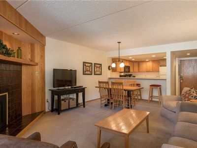 "Photo for Great ""Ski-in/ski-out"" condo, community hot tub, free wifi, & parking."