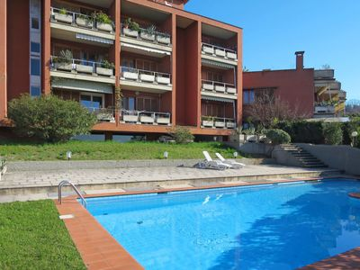 Photo for One bedroom Apartment, sleeps 3 with Pool, Air Con, FREE WiFi and Walk to Shops