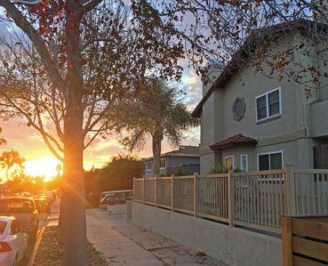 Photo for Cozy Townhouse close to BEACH!