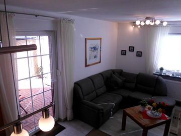 """HOLIDAY HOUSE """"NORDSEESCHOLLE6"""" directly on the dike - dog welcome-WLAN free of charge"""