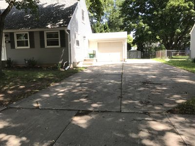 Large driveway can accommodate up to six vehicles.