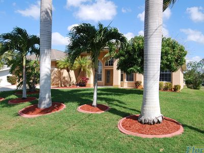 Photo for Large villa with pool, near Canal Yacht Club, only 15 minutes from the Gulf of Mexico,