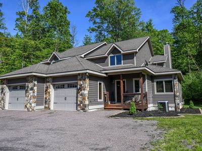 Photo for Getaway with 3 Master Suites & Covered Deck 5 Minutes from Activities!