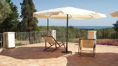 Photo for Away from it all, country house in front of the Marine Protected Area of Plemmirio