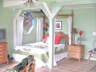Photo for $88 night June-Nov. bookings. $125 night Dec-May Kayaks & SUP's included