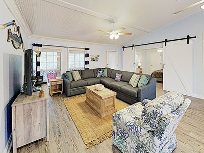 Photo for 5BR/2.5BA Private Cabana Beach House with Sundeck in Gulf Shores