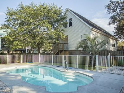 Photo for A Life Aquatic: 5 Bed/3 Bath Home with Private Pool 2 Blocks Away from the Ocean