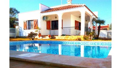 Photo for Villa with pool and barbecue in quiet area