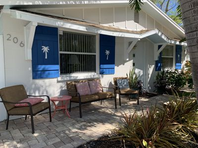 Beach Charm Guest Cottage—Ground level—Private, Tropical & Quiet!