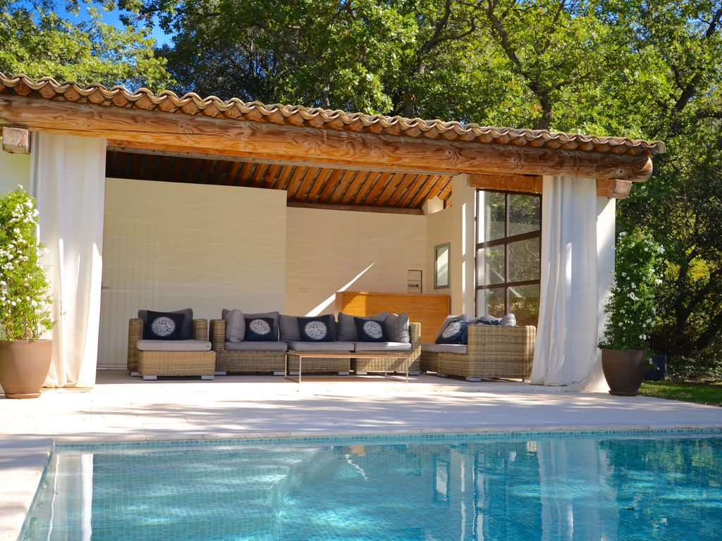 dream house with swimming pool in provence rognes provence rentals and resorts. Black Bedroom Furniture Sets. Home Design Ideas