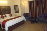 Warmly decorated deluxe stay in Shimla