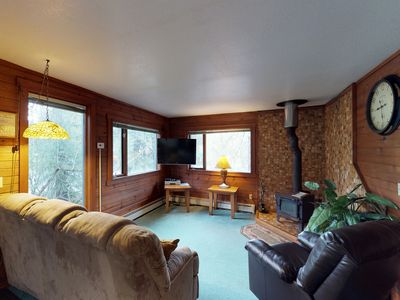Photo for Conveniently-located condo features private hot tub, nearby skiing and hiking