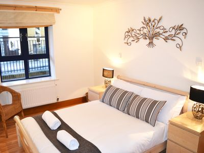 Photo for Spacious Luxury Apartment in Great Southampton Location