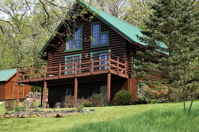 RUSTIC, MAGICAL, LOG HOME IN SW  WI     TROUT STREAM, HIKING, NEARBY  CANOEING - Blanchardville