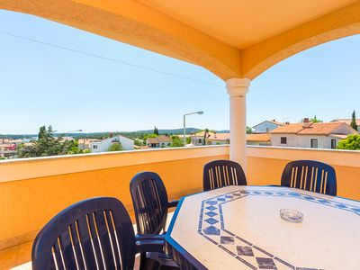 Photo for Apartment only 800 meters to the sandy beach with air conditioning, Wi-Fi, balcony, barbecue, parking, pets are allowed