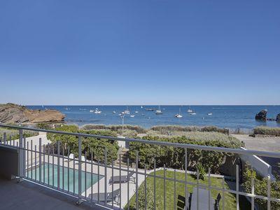 Photo for Villa stunning views of the conch cliffs with pool