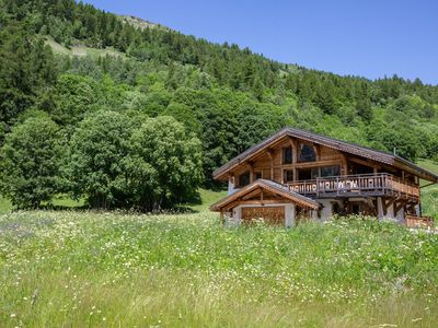 Photo for 4 bedroom Chalet, sleeps 11 with FREE WiFi