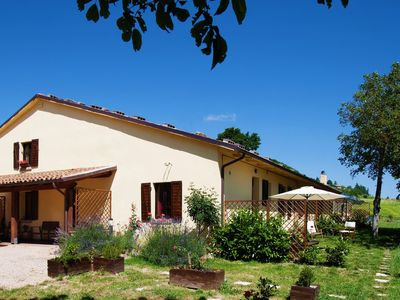 Photo for Farmhouse with a magnificent panorama, swimming pool, 3 km from Cagli