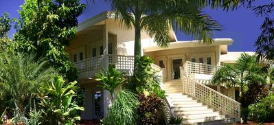 Hale Lele Villa a luxurious 6,000 sq.ft. holiday Maui vacation home, sleeps 19