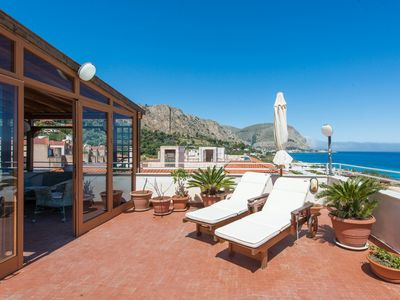Photo for Casa con terrazza sul mare all'Addaura by Wonderful Italy